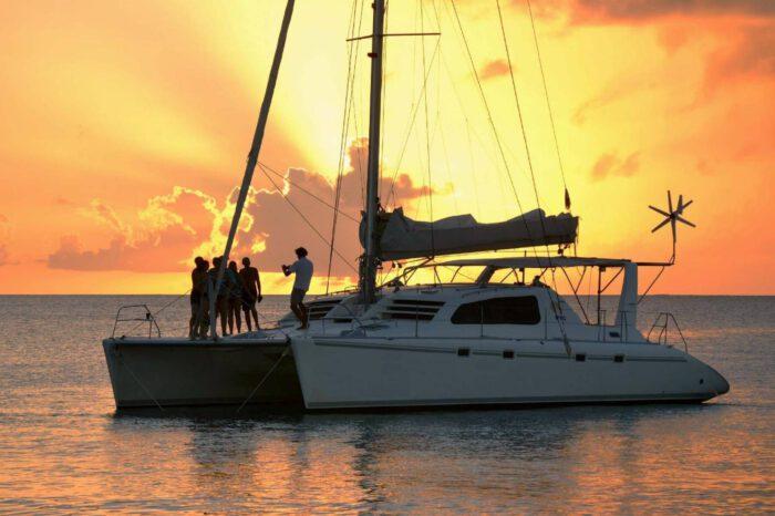 เกาะไม้ท่อน + เกาะเฮ + Sunset ทัวร์เต็มวัน